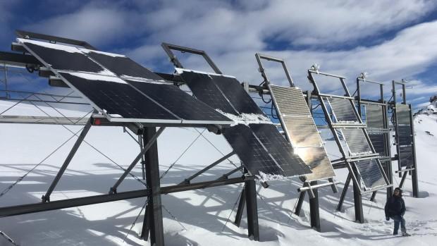 Pannelli solari sulla neve, la ricetta svizzera per l'energia invernale