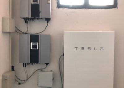 Installazione sistema di accumulo Tesla
